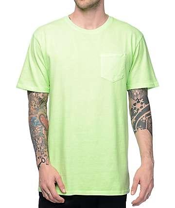 Zine Alta camiseta con bolsillo teñido en verde