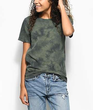 Zine Haleema camiseta en verde olivo con efecto tie dye