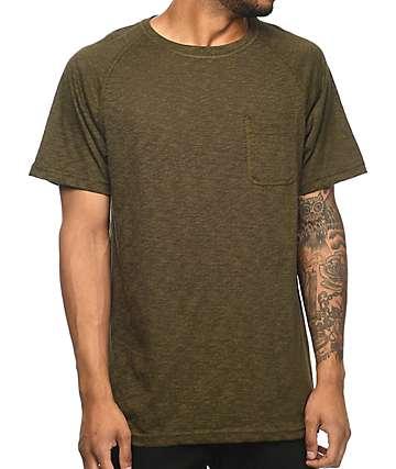 Zine Henry camiseta con bolsillo en color verde olivo