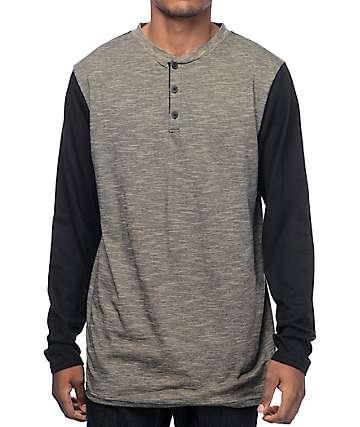 Zine Hokey Slub camiseta henley en negro y marrón