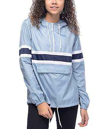 Zine Shiloh chaqueta cortavientos empacable en azul claro, blanco y azul marino