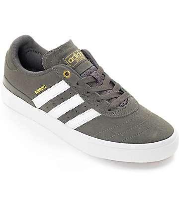 adidas Busenitz Vulc Utility zapatos de ante en blanco y gris