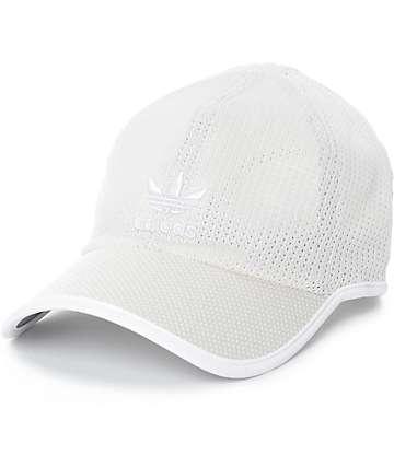 adidas Primeknit gorra strapback en color caqui