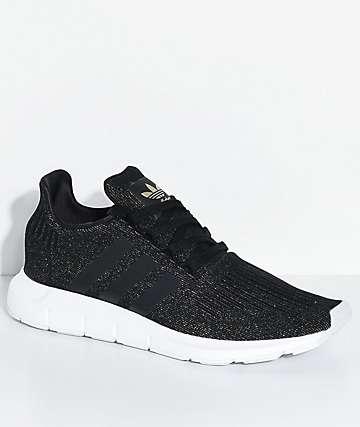adidas Swift Run Core zapatos en negro y blanco