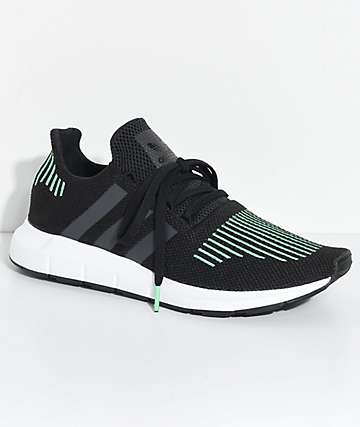 adidas Swift Run Utility zapatos en blanco y negro