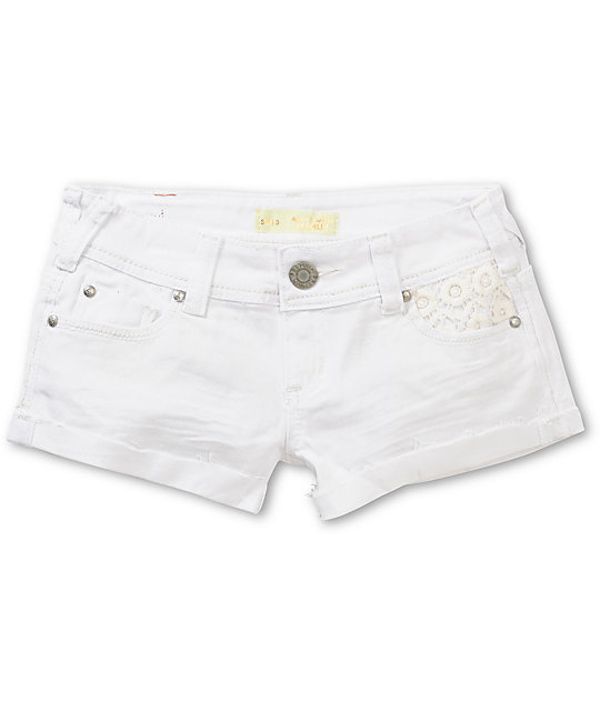 Almost Famous Karlyn Crochet Pocket White Denim Shorts