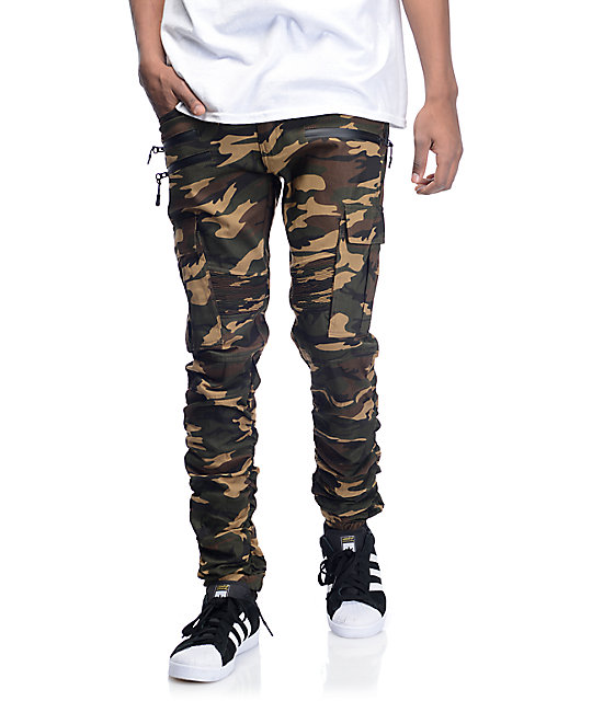 Click here to find out about the Camo Loopback Cargo Joggers from Boohoo, part of our latest Trousers collection ready to shop online today!