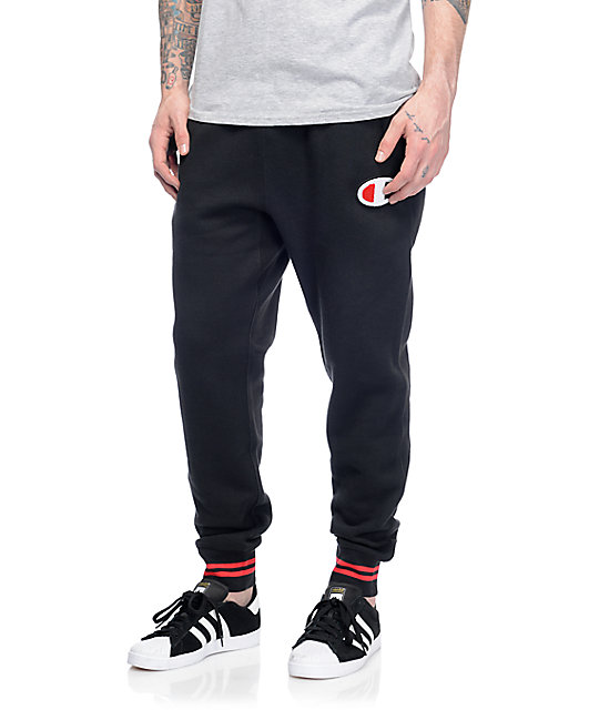 Available this season in twill, our jogger pants can be dressed up or down. Choose between black, navy or red. Choose between black, navy or red. Or, go with our classic sweatpant joggers.
