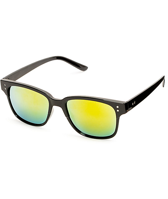 Classic Wing Archie Black & Gold Sunglasses