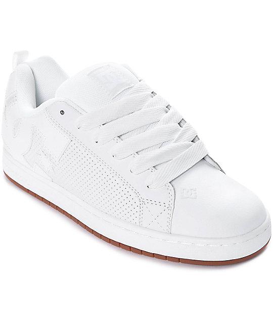 dc court graffik white white gum skate shoes zumiez