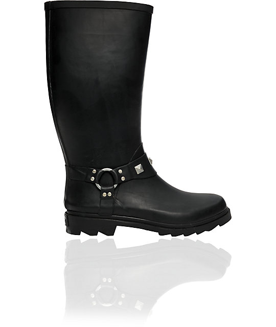 Dirty Laundry Round Up Black Rain Boot