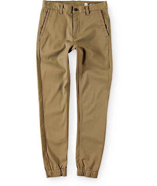 Updated with modern appeal, this selection boasts a range of looks from cargo-style and classic fleece to khaki-colored flex twill joggers and everything in between. Browse a rainbow of colors and patterns, too, all made with laid-back softness and handy features perfect for busy guys like you.