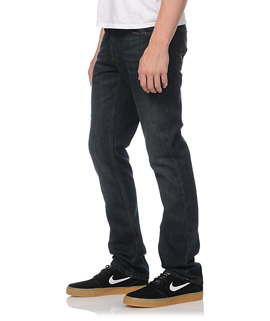 As skinny jeans were such a big hit for girls, retailers andclothing makers saw a chance to make money by popularizing themamong men. By using persuasive advertising that port rayed skinnyjeans as .