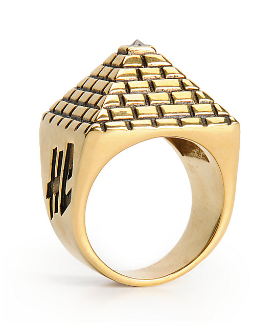 Han Cholo His Pyramid Gold Ring