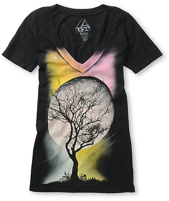 Lira Moonscape Black V-Neck T-Shirt