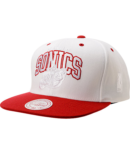 Mitchell And Ness Seattle Sonics White & Red Arch Snapback