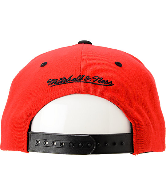 NBA Mitchell and Ness Bulls Grand Arch Snapback Hat
