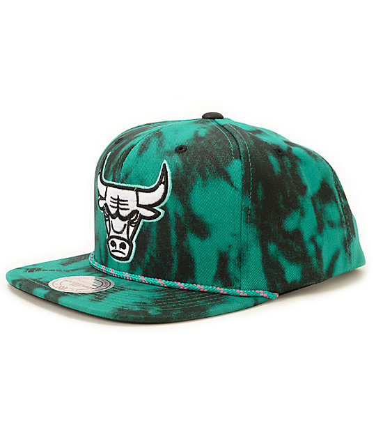 NBA Mitchell and Ness Bulls Greenback Strapback Hat
