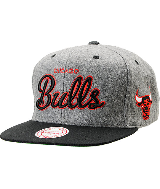 NBA Mitchell and Ness Bulls Melton Script 2Tone Snapback Hat