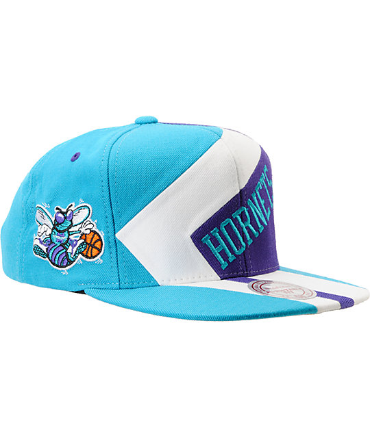 NBA Mitchell and Ness Charlotte Hornets One-On-One Snapback Hat
