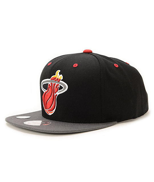 NBA Mitchell and Ness Heat Black XL Reflective Snapback Hat
