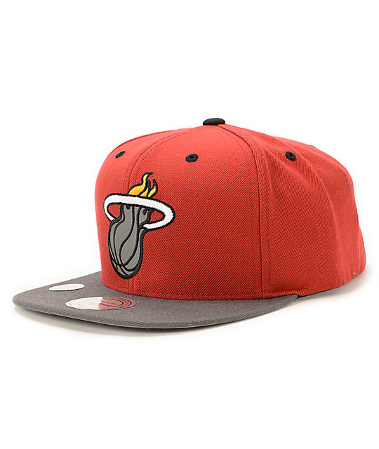 NBA Mitchell and Ness Heat XL Reflective Snapback Hat