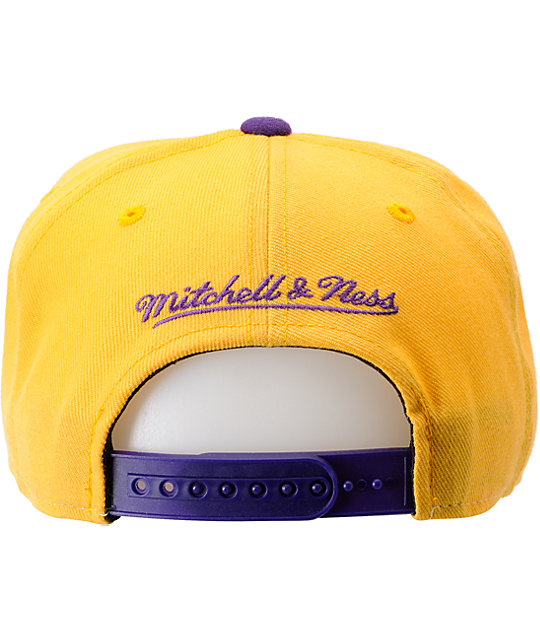 NBA Mitchell and Ness Los Angeles Lakers Sharktooth Snapback Hat