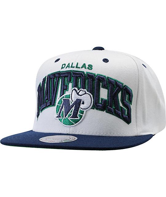 NBA Mitchell and Ness Mavericks White Arch Snapback Hat