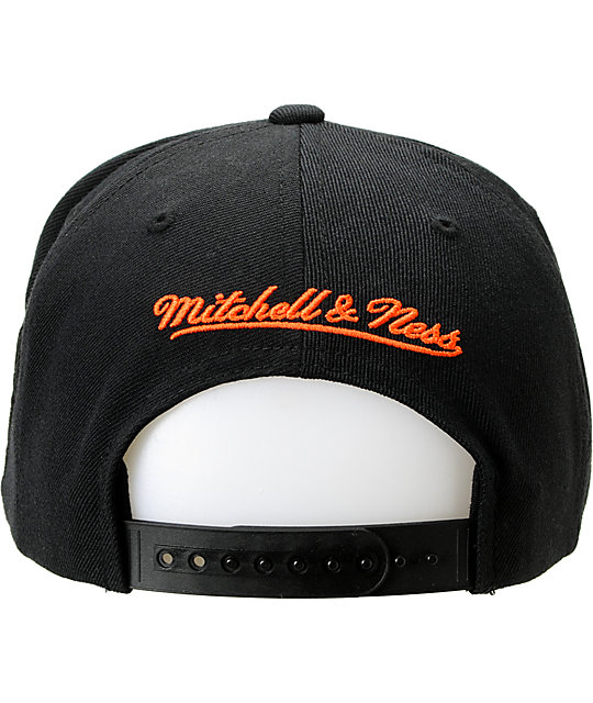 NBA Mitchell and Ness New York Knicks Blacked Out Snapback Hat