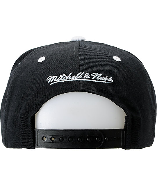 NFL Mitchell and Ness Oakland Raiders Black And White Snapback Hat