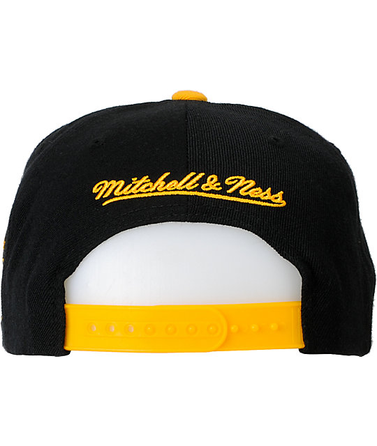 NHL Mitchell and Ness Boston Bruins Basic 2Tone Snapback Hat