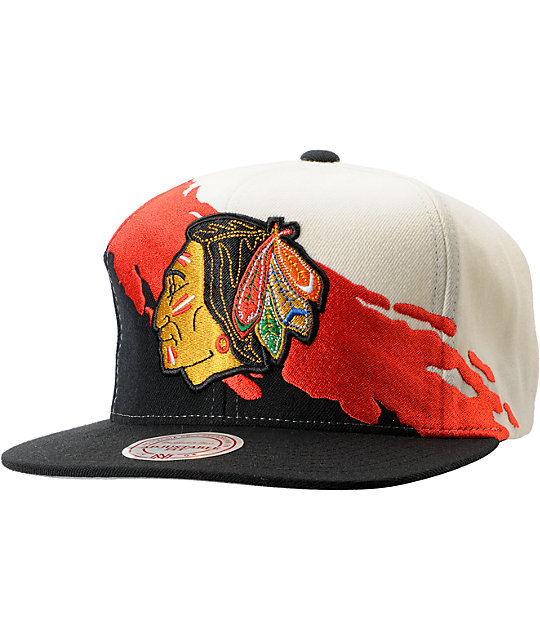 NHL Mitchell and Ness Chicago Blackhawks Paintbrush Snapback Hat