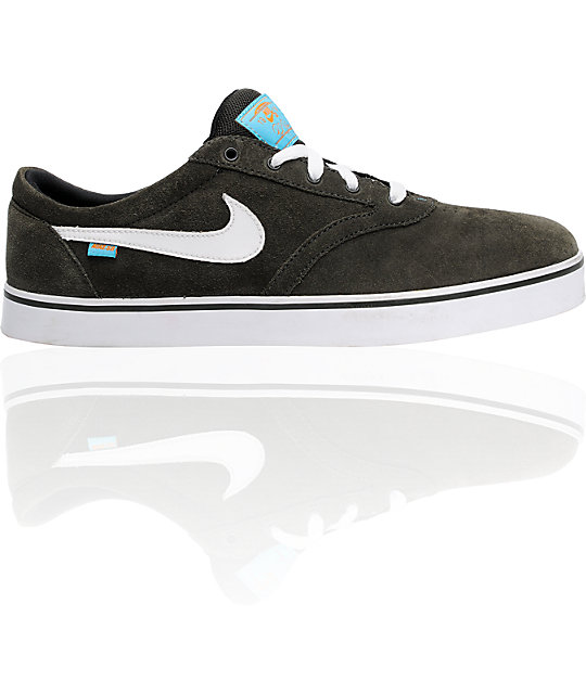 Nike SB V-Rod 2.5 Newsprint, White & Chlorine Shoes