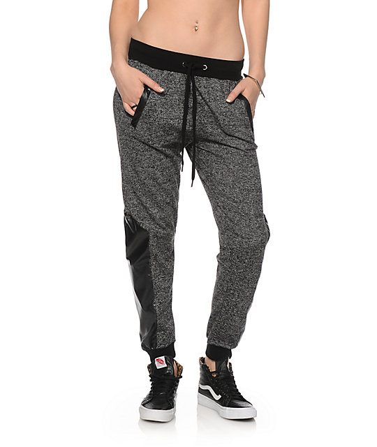 Add an athleisure staple to your wardrobe with our faux cashmere joggers. Our joggers features an adjustable drawstring waistband, banded cuffs, and ultra soft stretch fabric.