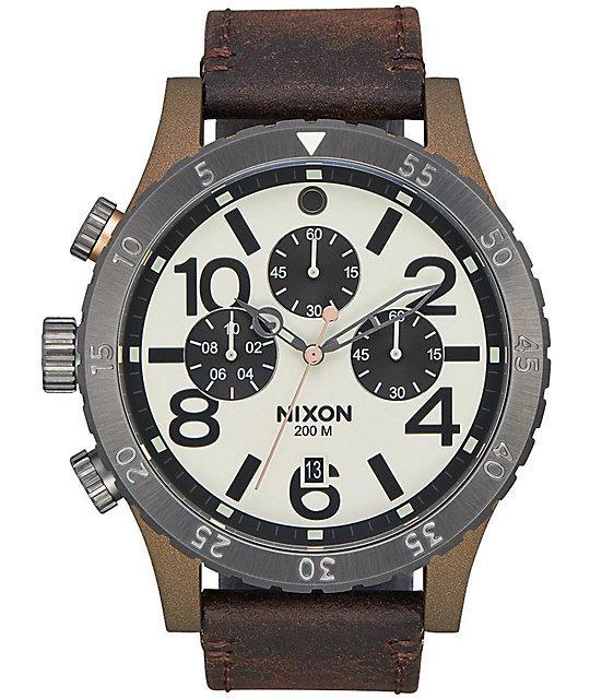Nixon 48-20 Leather reloj cronógrafo en latón y plomo