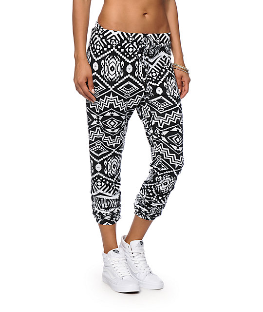 Shop our Collection of Women's White Joggers Pants at truedfil3gz.gq for the Latest Designer Brands & Styles. FREE SHIPPING AVAILABLE!