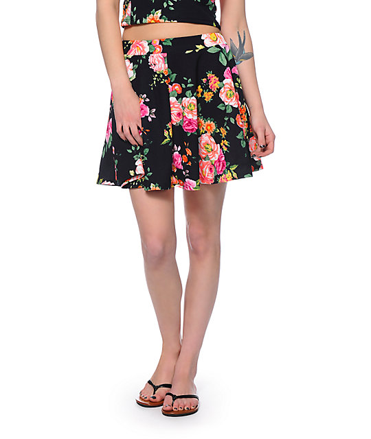 Black Printed Floral 2 in 1 Off Shoulder Midi Skater Dress Rock the 2 in 1 bardot floral skater dress to wow for any occasion! This simple, chic yet stylis.