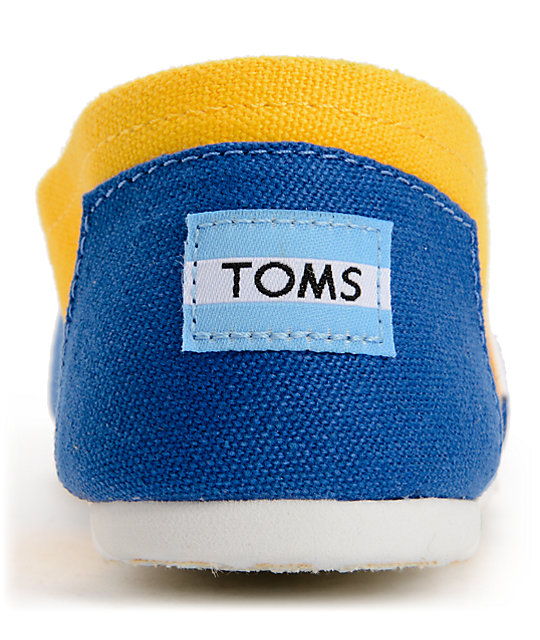 Toms Campus Classics UCLA Womens Slip On Shoes