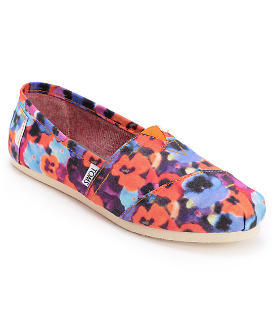 Toms Classics Oahu Floral Print Womens Slip On Shoes