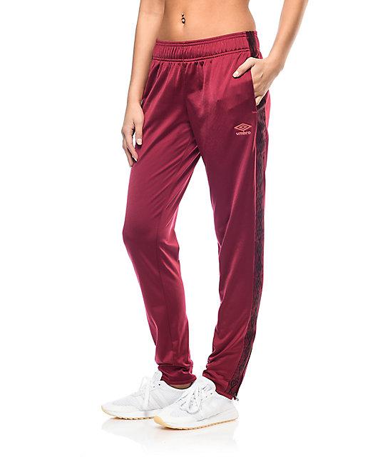 Umbro Diamond pantalones deportivos en color vino