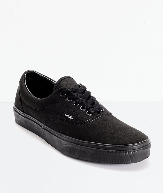 vans era classic all black skate shoes mens at zumiez pdp