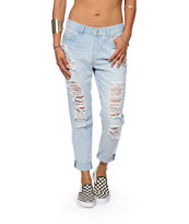 Almost Famous Morrison Light Wash Boyfriend Jeans
