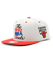 NBA Mitchell and Ness Bulls 1992 Finals Grey Snapback Hat
