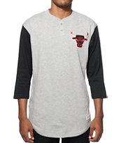 NBA Mitchell and Ness Bulls Clutch Henley Baseball T-Shirt