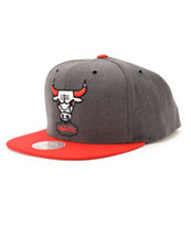 NBA Mitchell and Ness Bulls Dark Heather 2 Tone Snapback Hat
