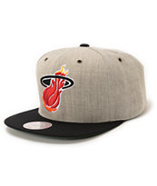 NBA Mitchell and Ness Heat Grey Wool 2Tone Strapback Hat