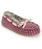 Rocket Dog Women's Regan Cuddles Pink Slippers