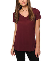 Sirens & Dolls Basic Burgundy Relaxed V-Neck T-Shirt