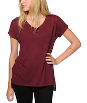 Sirens & Dolls Basic Burgundy V-Neck T-Shirt