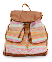 T-Shirt & Jeans Tribal Blanket & Cognac Rucksack Backpack